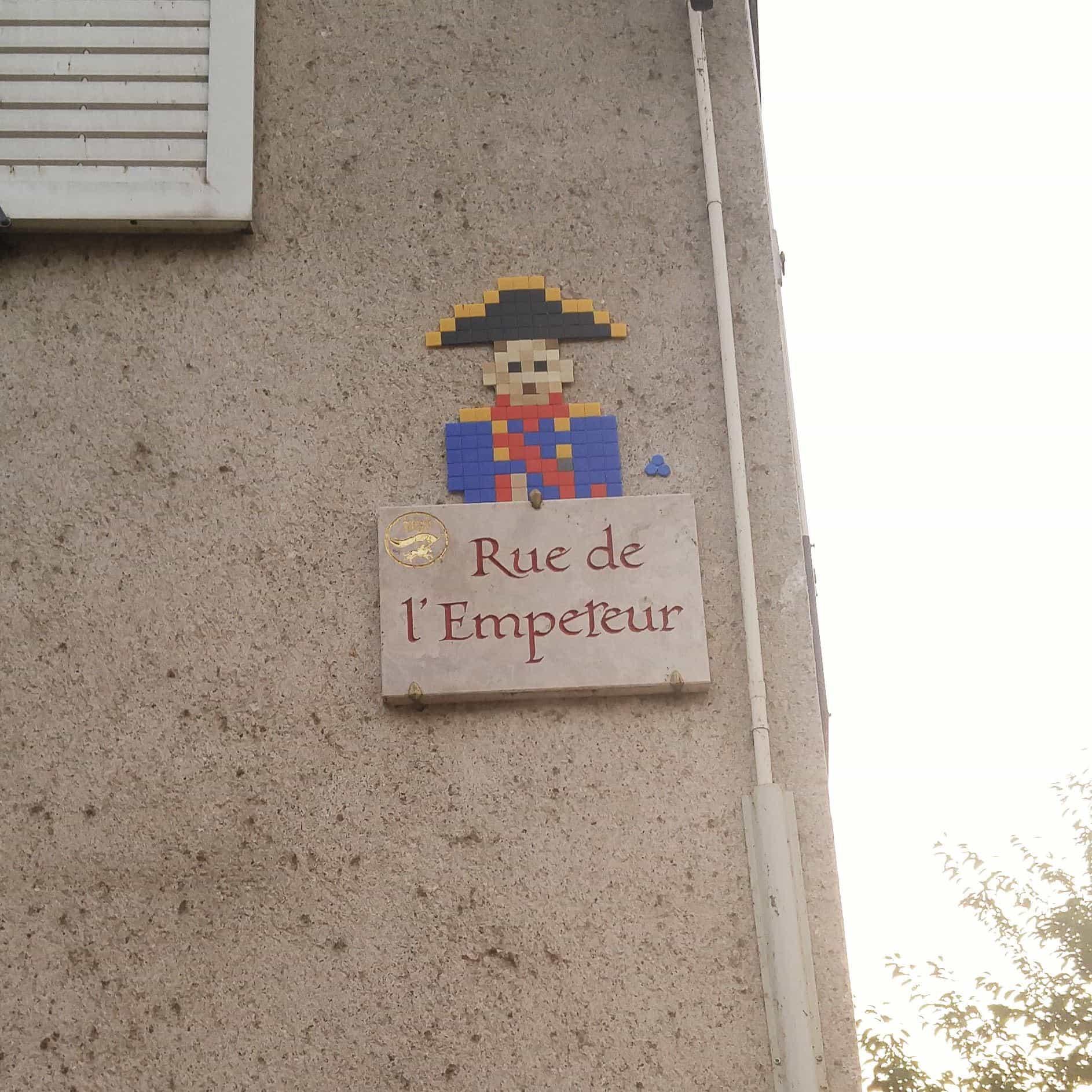 pixel art orléans MifaMosa napoléon rue