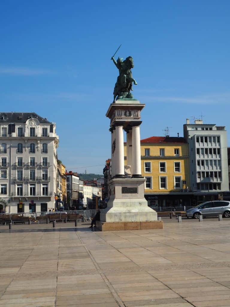 place jaude statue vercingétorix